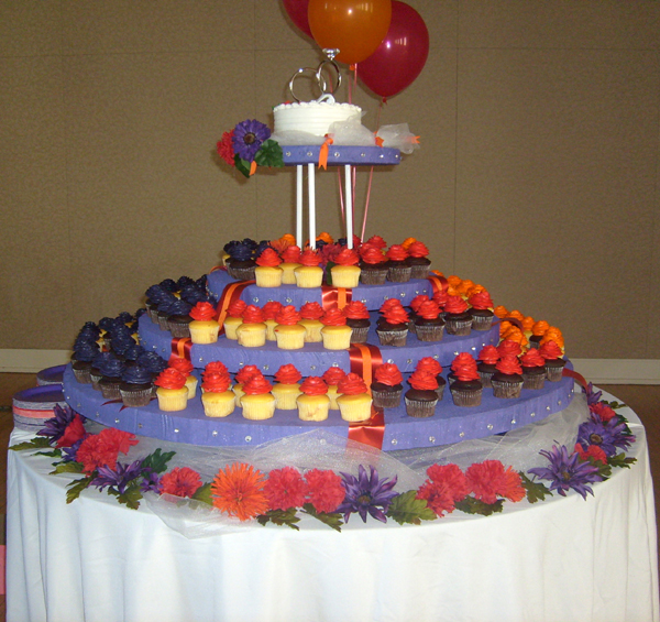 make your own cupcake centerpiece