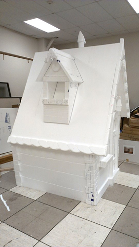 lifesize gingerbread house hot wire foam factory