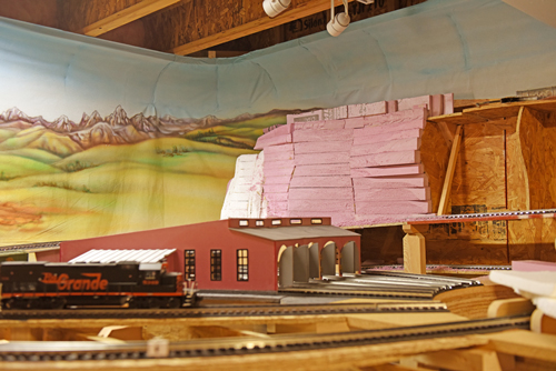 Model Railyard with turntable